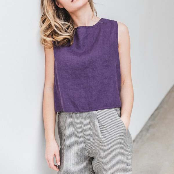 Simple Solid Color Sleeveless Blouse