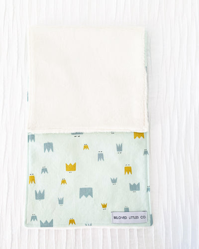 CROWNED burp cloth