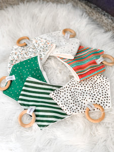 HOLLY JOLLY Small Bandana Bib
