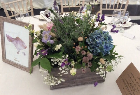 Rustic wedding table centers centres uk best flower display boxes at pebble & leaf www.pebbleandleaf.co.uk pallet Planters