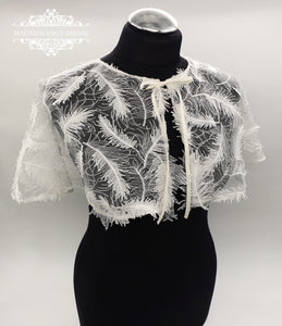 Ivory feather capelet FAIREN
