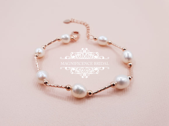 Pearl bracelet, pearl rose gold, first communion, Rose gold bracelet, communion accessory, first holy communion, pearl bracelets, ALBA - magnificencebridal-com
