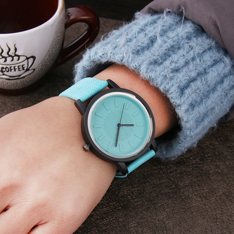 Harajuku Style Color jelly Fashion Women Watches Hardlex mirror Simple Leather Wrist Watch for Girls Casual Quartz Clock Gifts