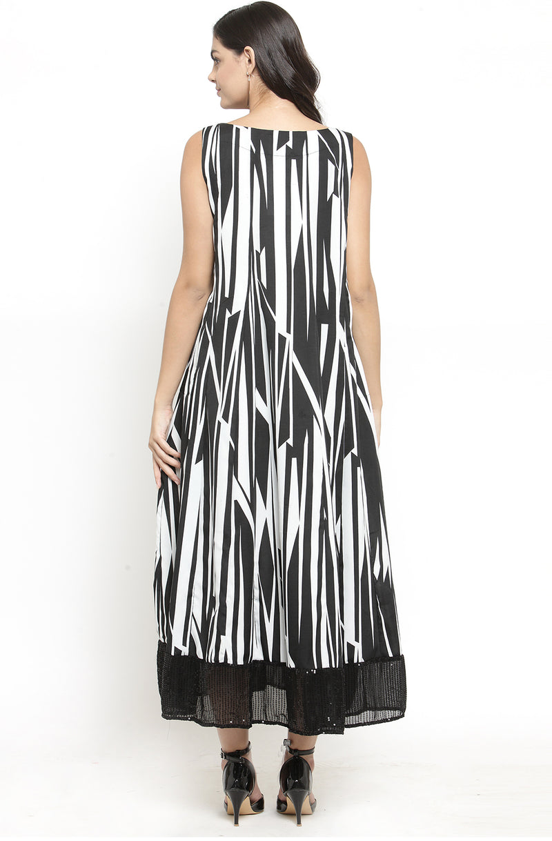 Sleeveless Monochrome Maxi Dress