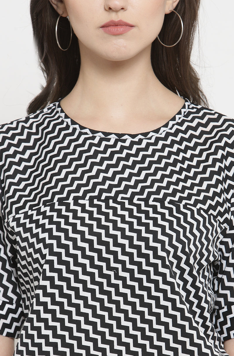 Monochrome Chevron Print Casual Top