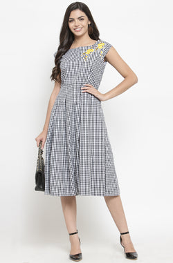Gingham Floral Patched Dress by Afamado