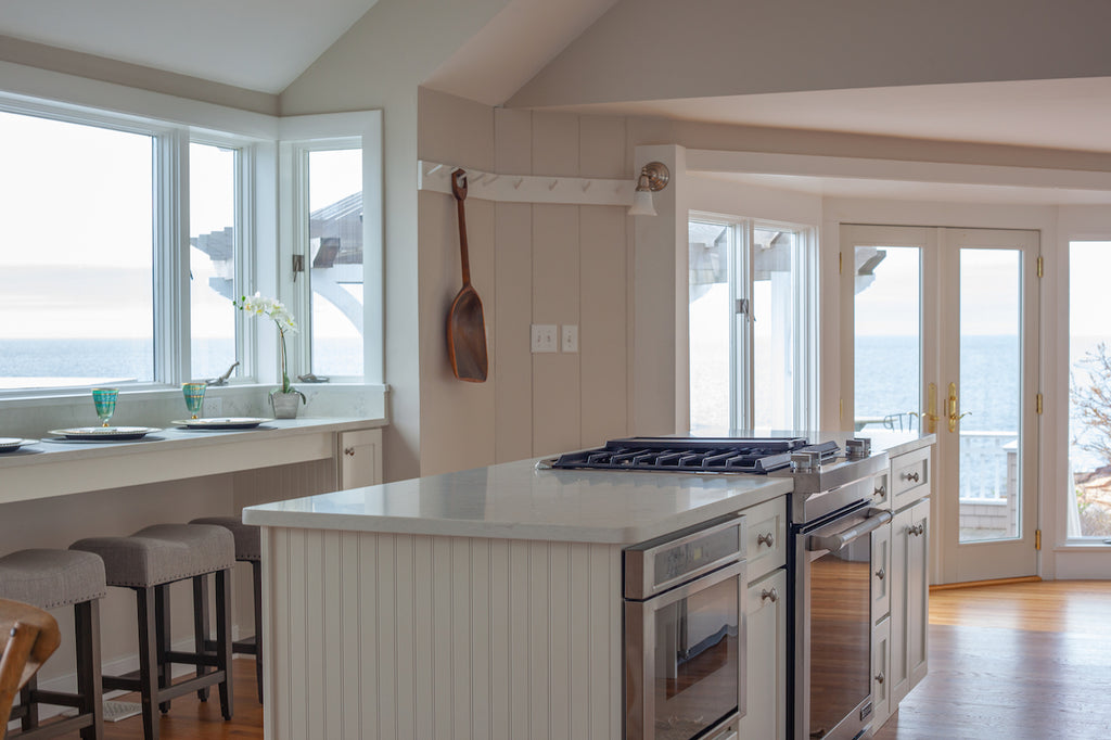 medallion kitchen cabinetry new england style shaker white cabinetry harborside