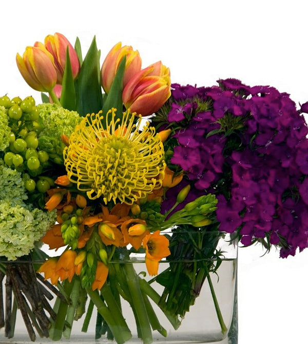Contemporary Flower Designs in Thousand Oaks, CA
