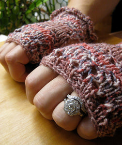 Insouciant Studios Hibiscus Lace Mitts