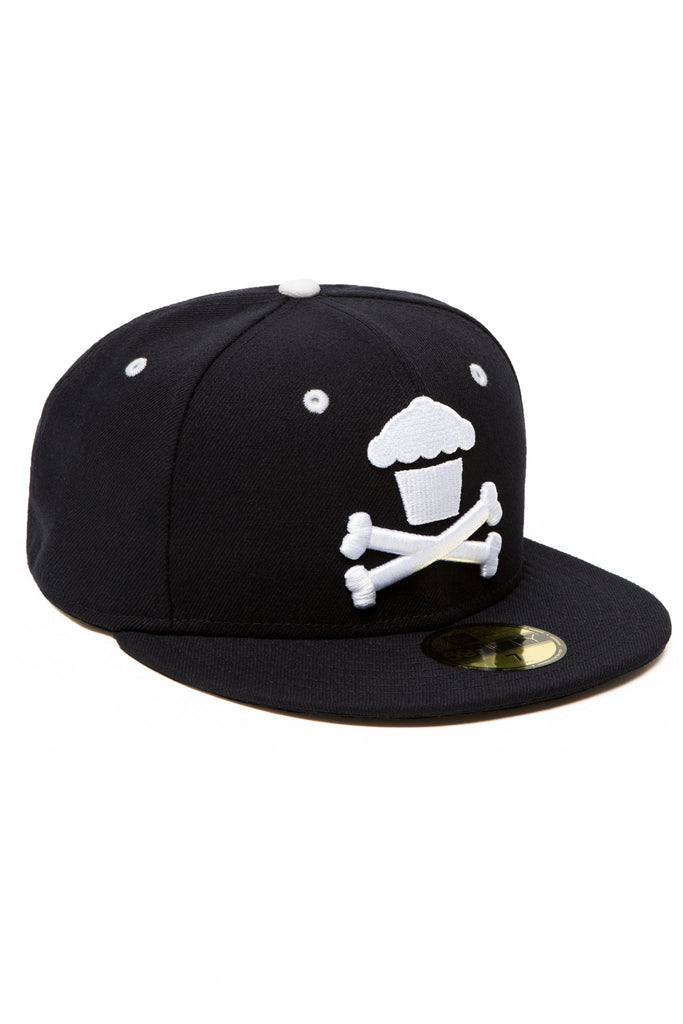 Crossbones Fitted (Black)