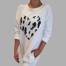 Load image into Gallery viewer, Leopard Heart Sweatshirt