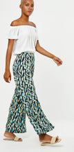 Load image into Gallery viewer, Palazzo pants stretchy