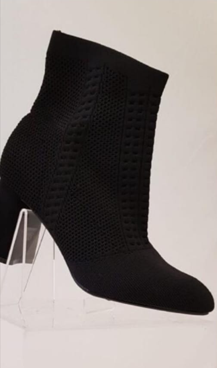 Black Mid-heigth boot