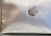 Load image into Gallery viewer, Faux leather clutch