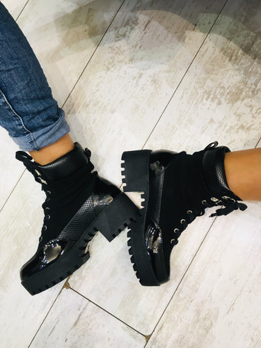 Platform black Chunky boot