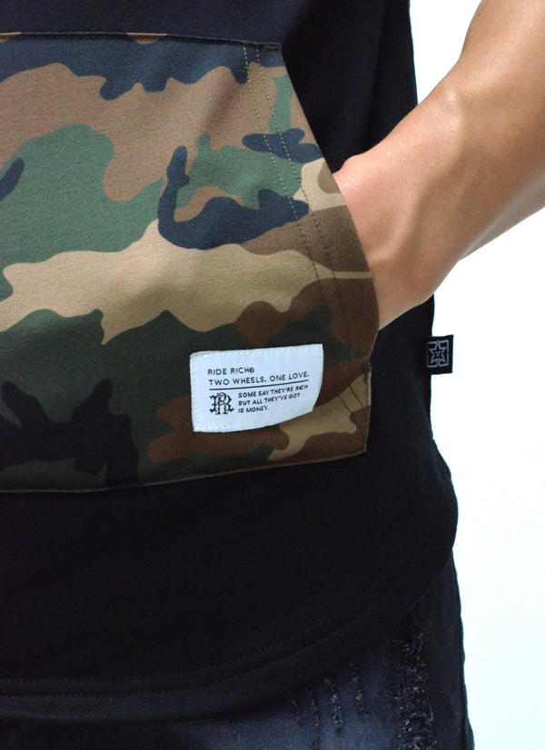 Camo Pocket Hooded Scoop Tee {Black} 7
