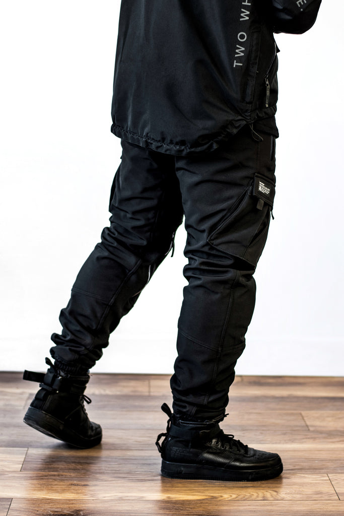 Unit 16™ Armoured Softshell Cargo Joggers {Black}