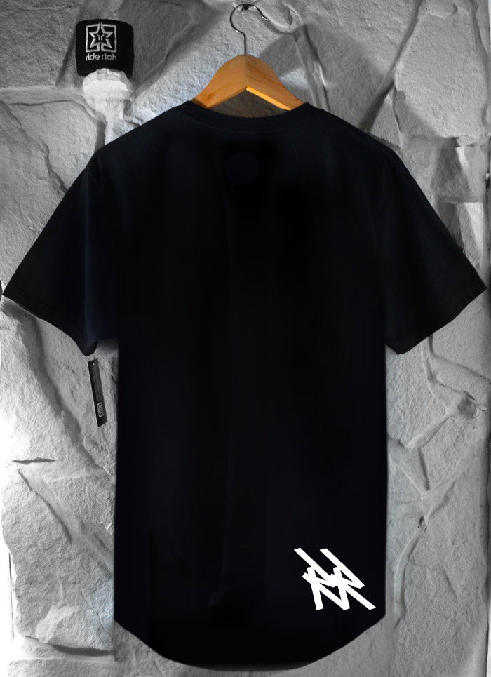RR Tag Scoop Tee {Black}