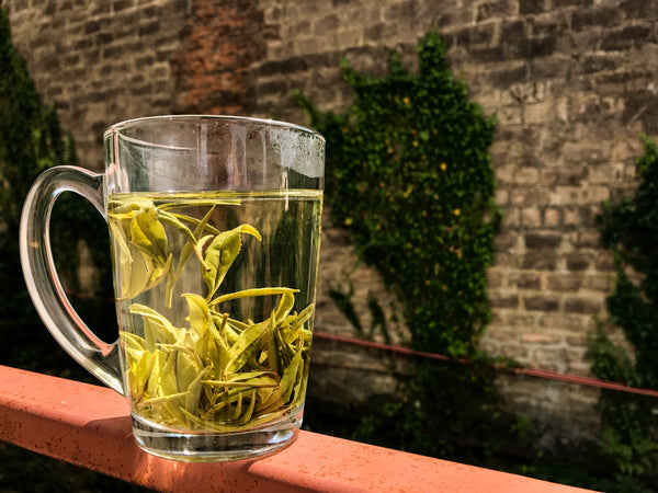 White whole leaf tea