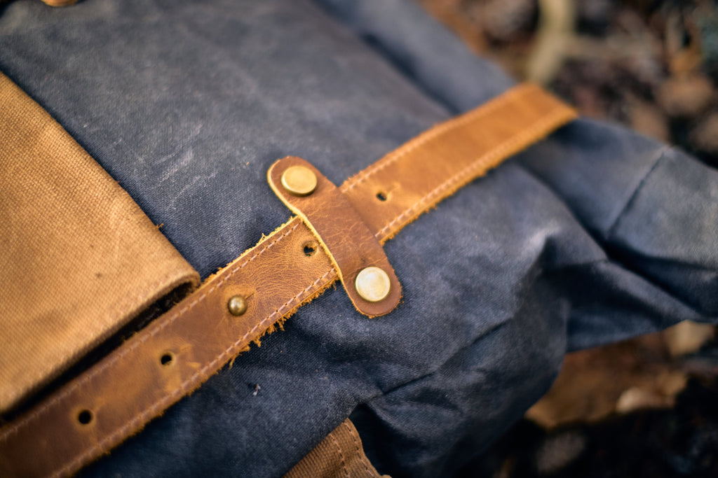 straps of the Copenhagen Vintage Rucksack Handbag