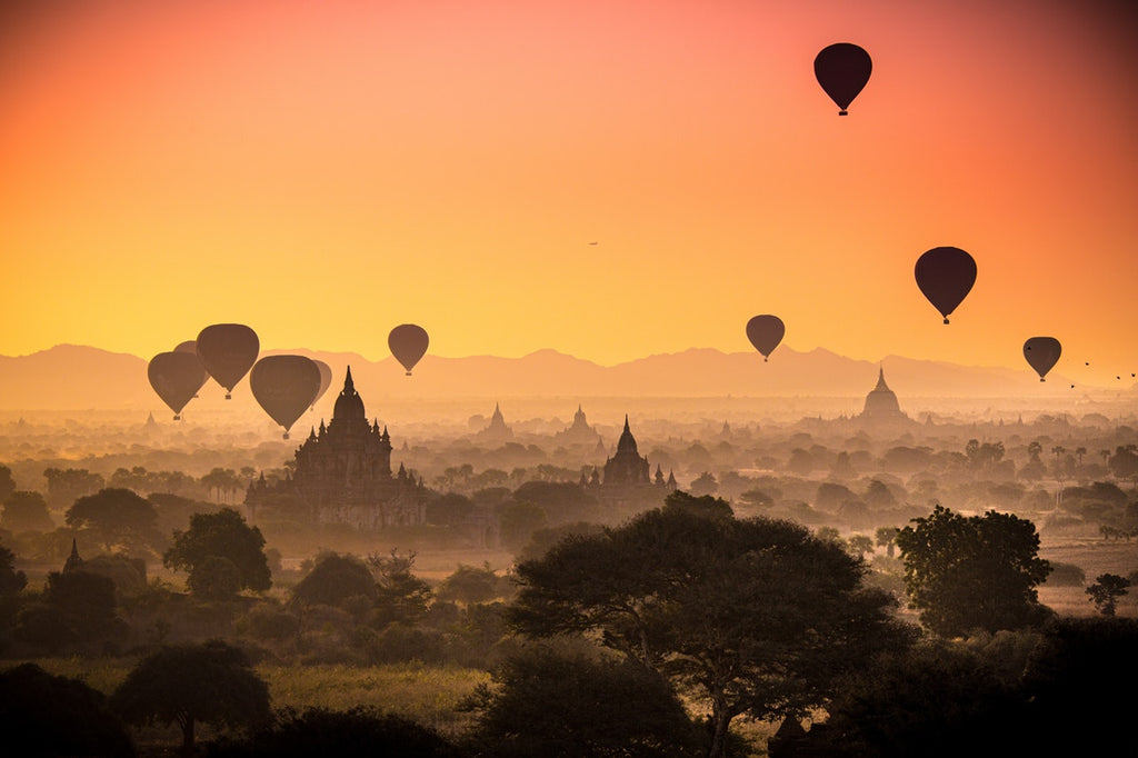 picture of the sunset above Myanmar
