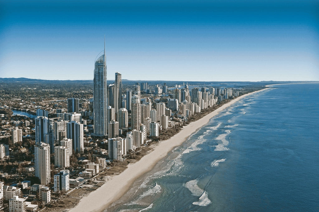 picture of an australian sea town with the beach