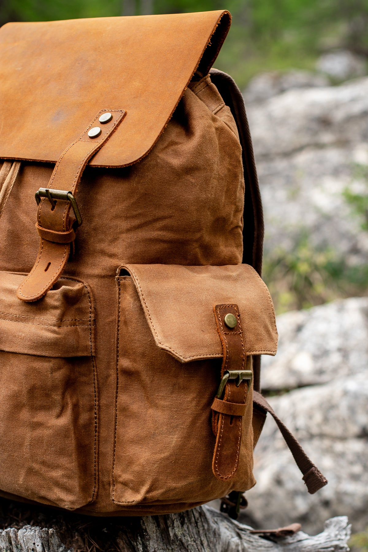 side pocket of the waxed backpack for men