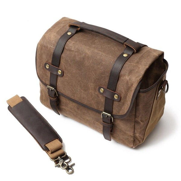 MOSCOW | Vintage Camera Messenger Bag - Canvas & Leather