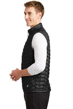 Load image into Gallery viewer, Men's North Face ThermoBall Trekker Vest
