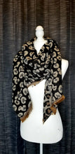 Load image into Gallery viewer, Reversible Leopard Scarf