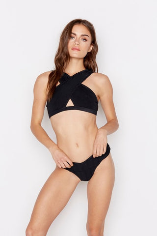 Lana Crossover Bikini Top in Black