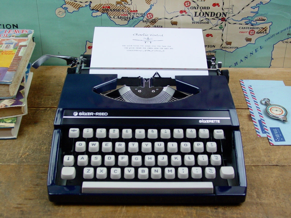 Typewriter,  Silver Reed Silverette - Navy