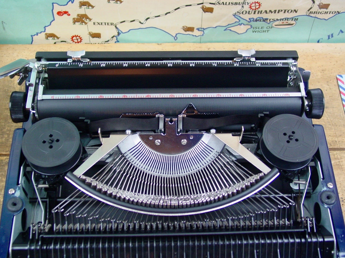 Typewriter,  Silver Reed Silverette