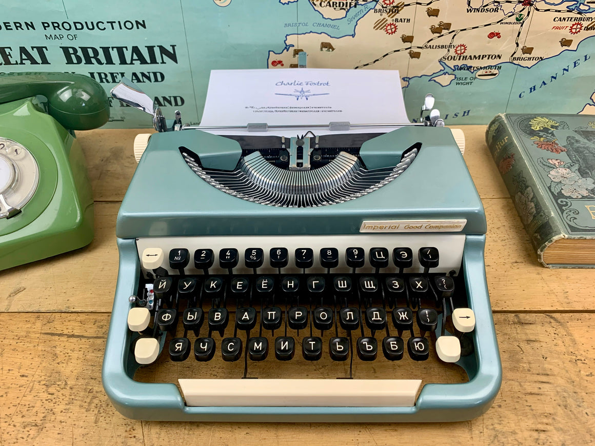 Typewriter ,  Imperial,  - 1964 The Good Companion 6 with rare Cyrillic Font