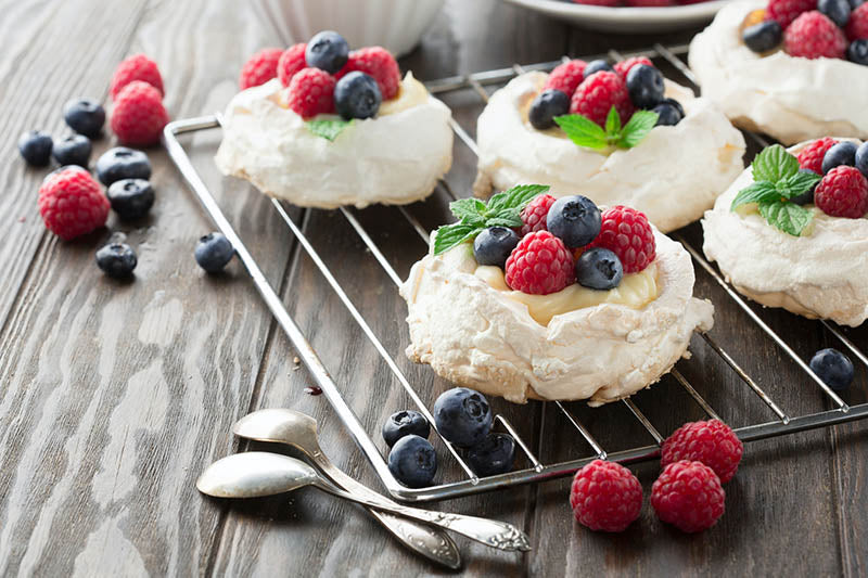 3 Delicious Mini Pavlova Recipes
