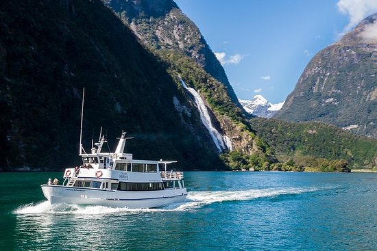 Cruise Milford New Zealand
