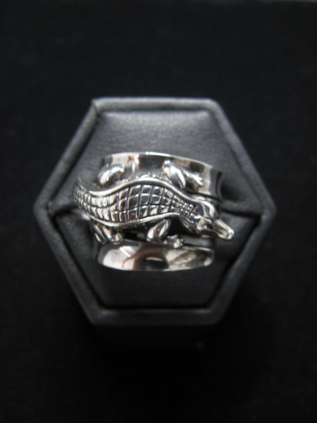 Wide Band Gator Ring