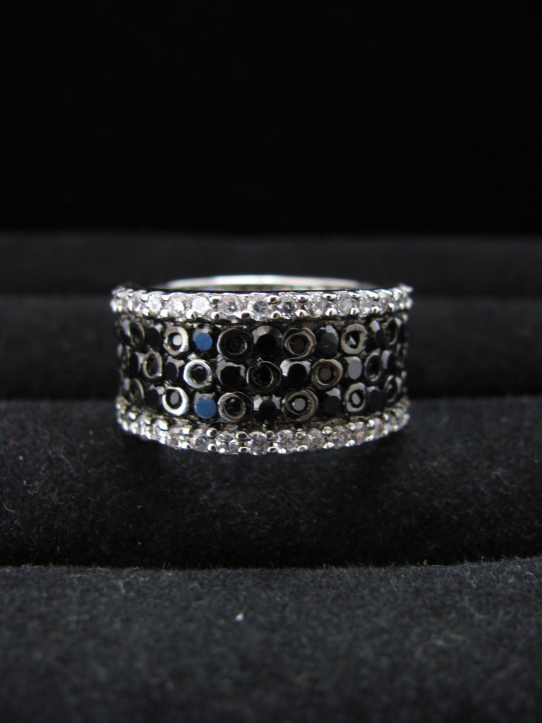 Windsor Swarovski band ring