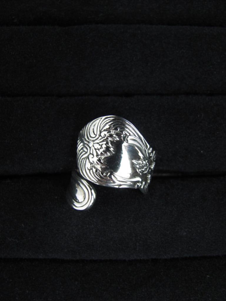 Regina Spoon Ring