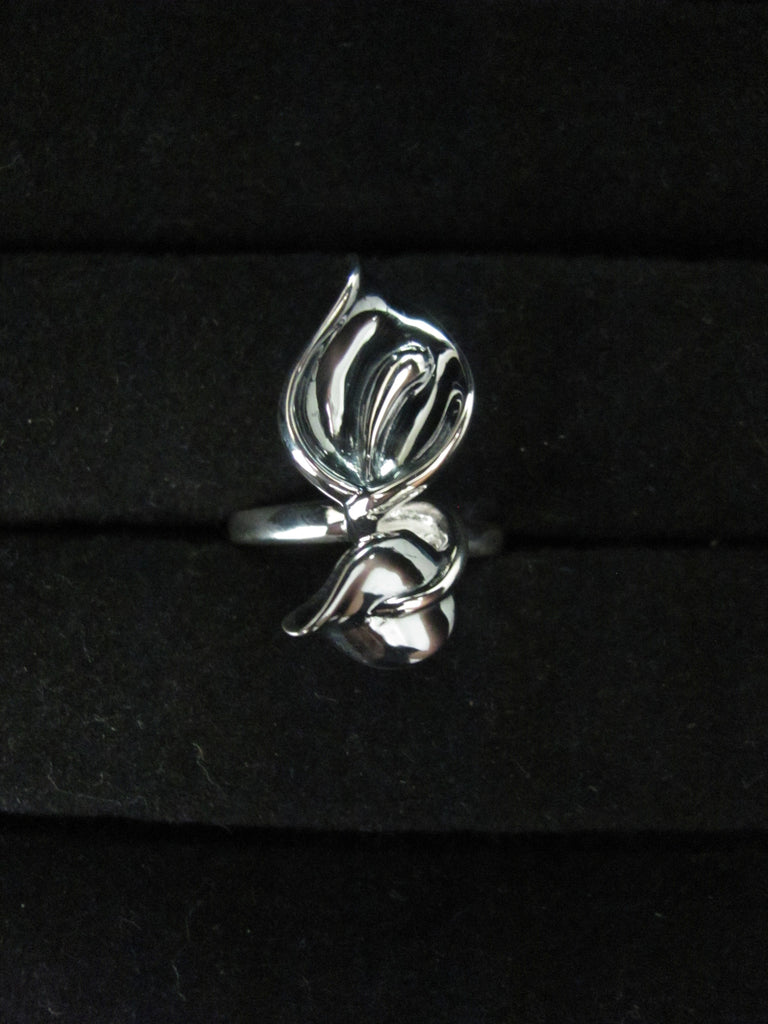 Shiny Leaf ring
