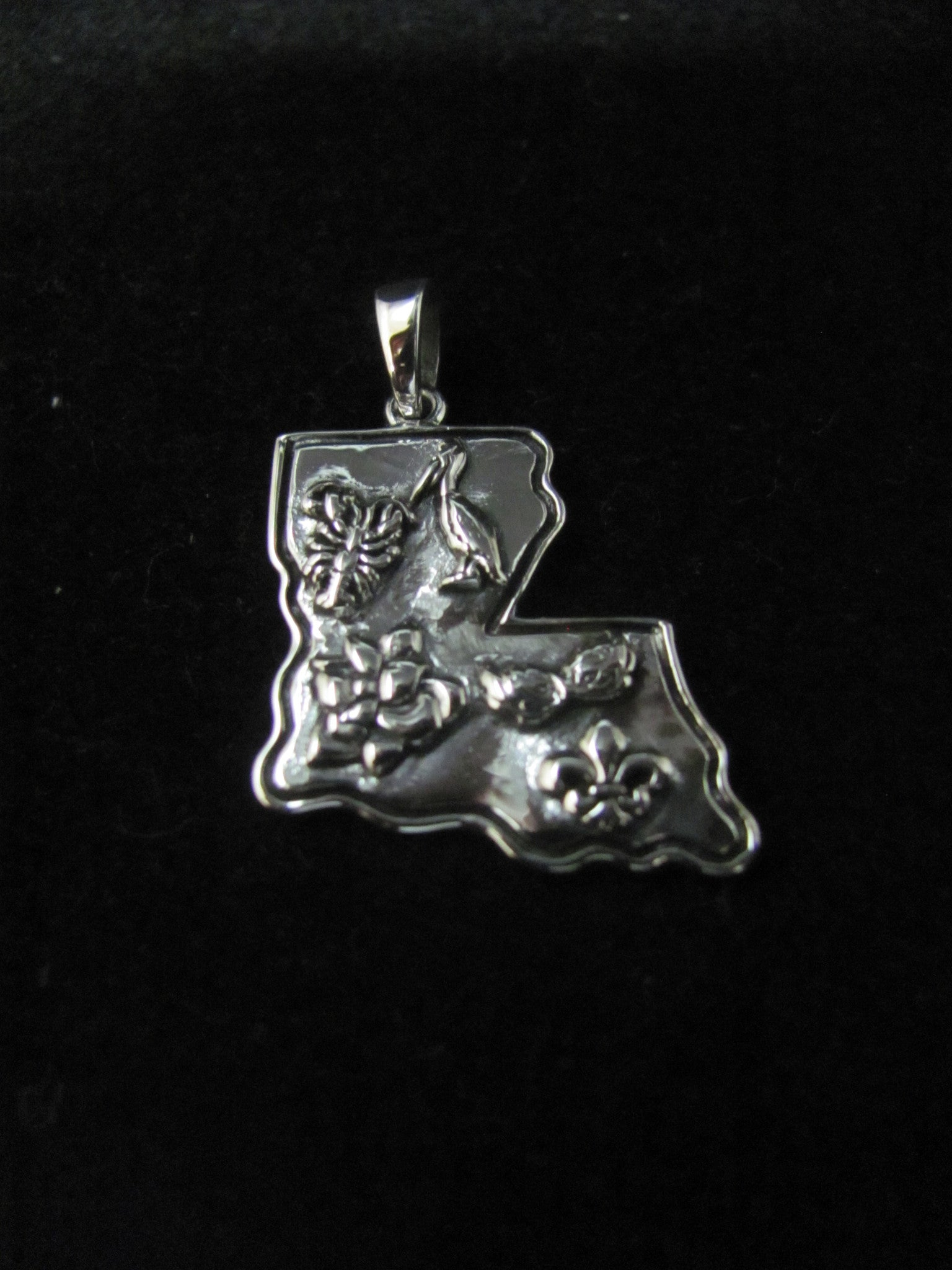 All Dat! Louisiana Pendant