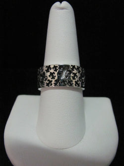 Cut Out Fleur de Lis Band Ring