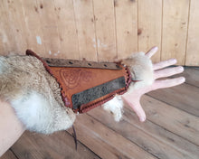 Load image into Gallery viewer, Viking Huscarl Bracers