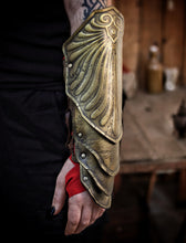 Load image into Gallery viewer, Assassin's Creed Odyssey Bracers