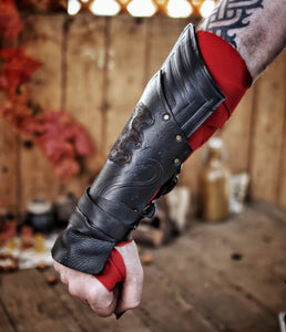 Assassin's Creed Odyssey Bracers