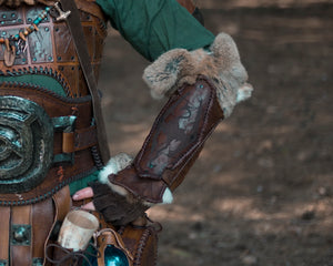 Skyrim Imperial Fur and leather Gauntlets
