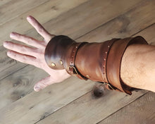Load image into Gallery viewer, Edward Kenway Black Flag Bracers.