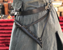 Load image into Gallery viewer, Wand leather Holster Belt.