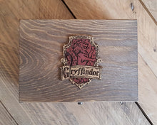 Load image into Gallery viewer, Wood Potions box House GRYFFINDOR.