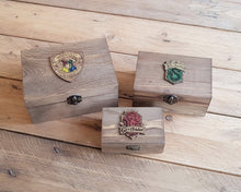 Load image into Gallery viewer, Wood Potions box for House RAVENCLAW.